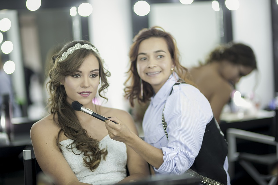 https://beautycentermelinda.nl/wp-content/uploads/2019/11/wedding-2361915_960_720.jpg